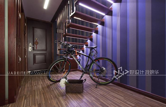 书房采用纯玻璃隔断,增加空间采光,同时又非常炫酷.