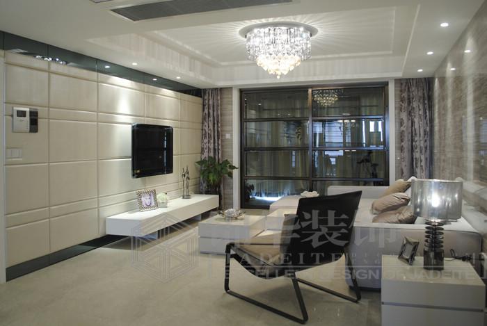 客厅带暗门欧式电视墙